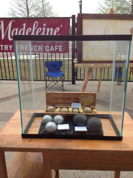 Collector boules display had Henry Salvador boule cloutees.