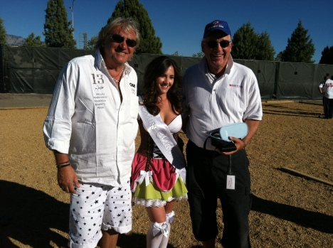 The biggest prize of all the Marco Foyot's boules were raffled and Rick Armstrong won.  Congratulation