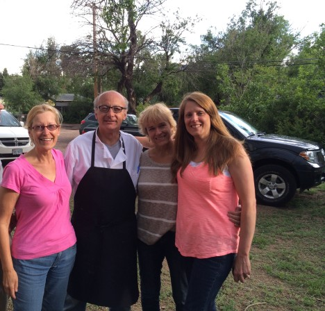 Le Chef Henri et ses femmes.